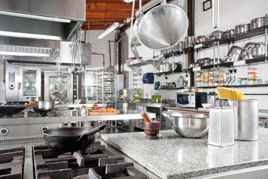 3 dicas para ter uma limpeza profissional em sua cozinha industrial