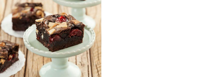 Brownie com Cerejas e Gotas de Chocolate