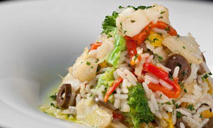 Arroz com Bacalhau, Tomate Confit e Azeitona Preta
