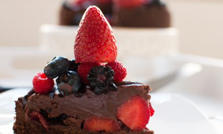 Cheesecake de Chocolate com Frutas Vermelhas