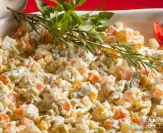 Salada de Legumes Rústicos com Maionese de Pesto