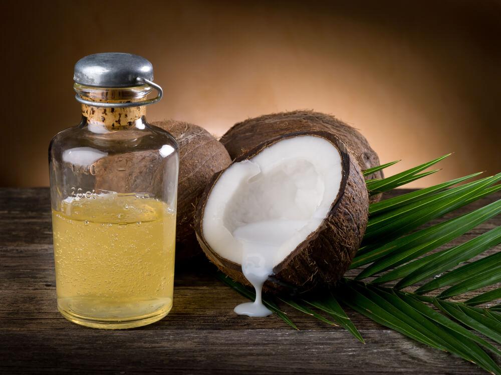 4 benefícios do óleo de coco para a culinária