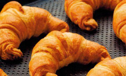 Croissant com Creme de Ricota e Flor de Laranjeira