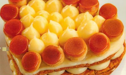 Torta Saint Honorré com Creme de Iogurte