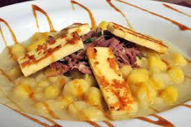 Nhoque de Batata Baroa com Carne Seca e Melaço