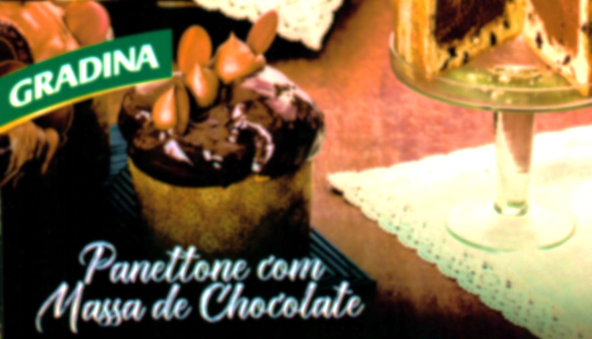 Panetone com Massa de Chocolate