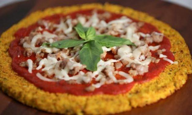 Pizza de Couve-Flor com Linguiça e Manjericão