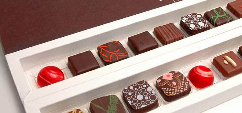 4 dicas de como aplicar transfer em chocolate e refinar o trabalho